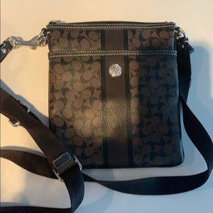 Coach messenger bag really good condition